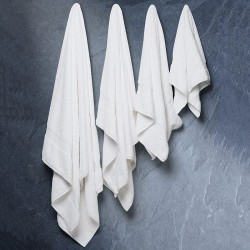 Plain Sanctuary jumbo towel Christy 600 GSM