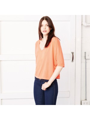 Plain v–neck crop t-shirt Flowy Bella 130 GSM
