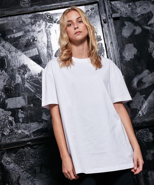 Plain Women's oversized boyfriend tee T-shirts Build Your Brand 220 GSM
