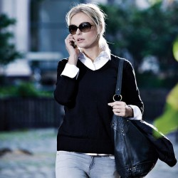 Plain Women's Cambridge knit sweater NIMBUS 200 GSM